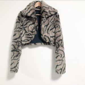 Wild child vibe Crop faux fur jacket. Size XS